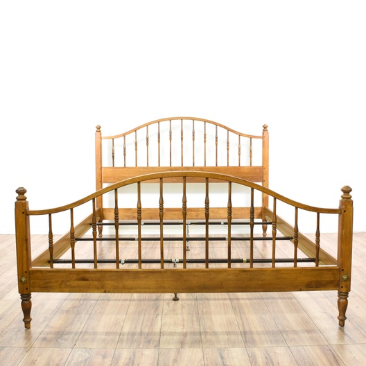 Ethan Allen Maple Spindle Queen Sized Bed Frame