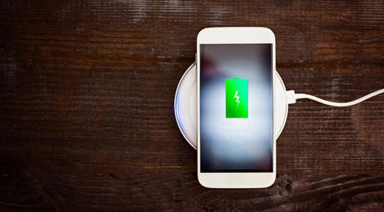 wireless-charging-shutterstock 490532113