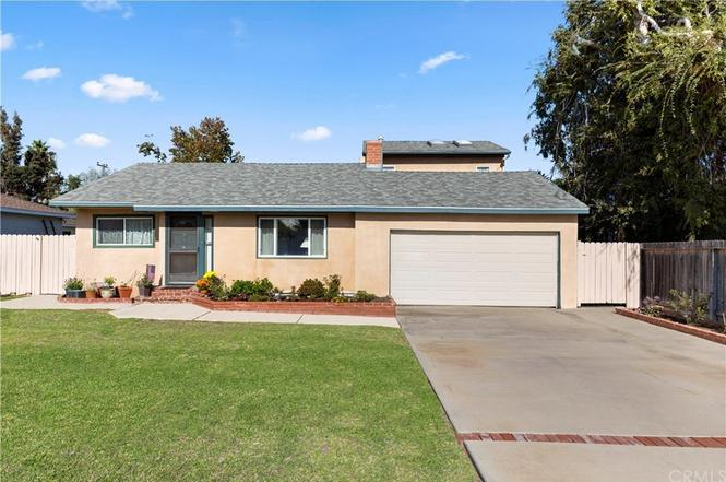 20181 Spruce Ave - 1.057M