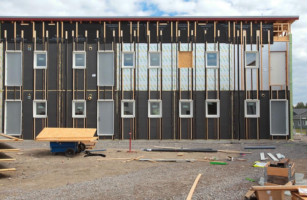 Isolamins bostadsmoduler på bygge.