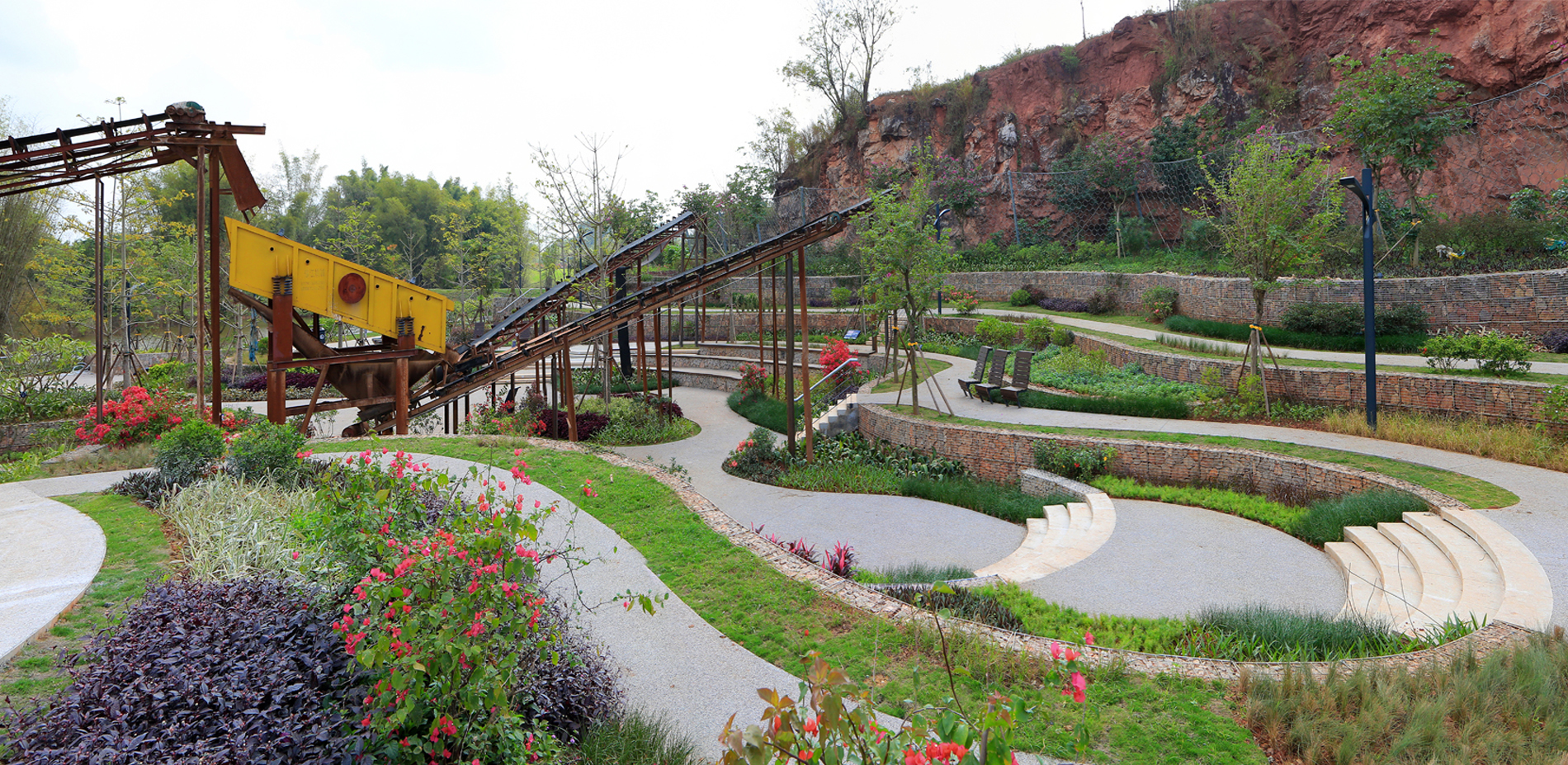 A Terrace Garden with Preserved Mining Machinery (Quarry No. 6)