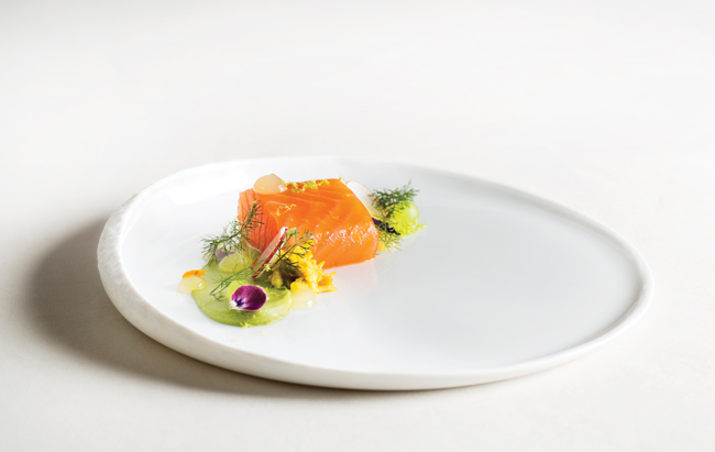 restaurant-coworth-park-tea-smoked-salmon-crab-bergamot-radish-highres