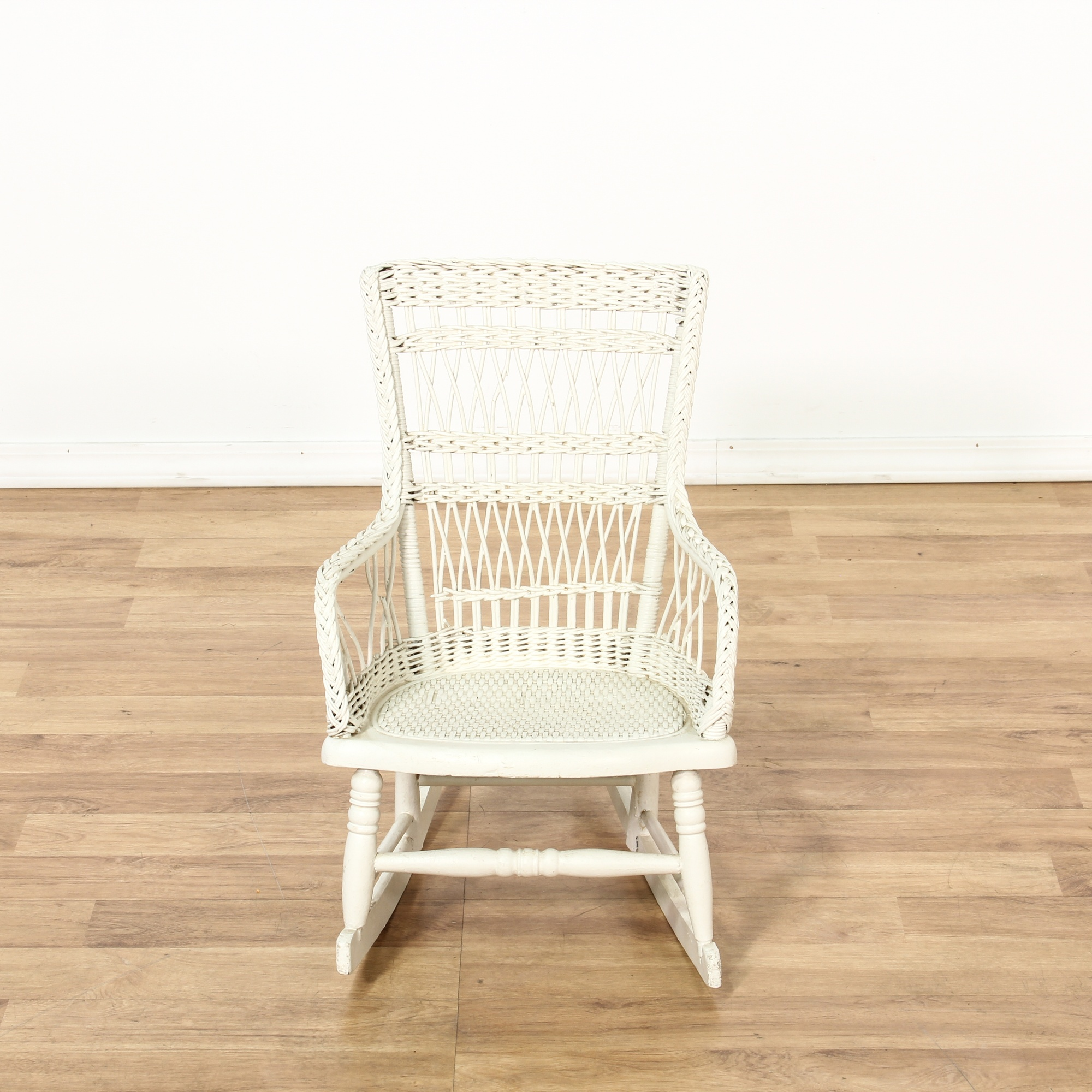 child 39 s white painted wicker rocking chair loveseat vintage furniture san diego los angeles. Black Bedroom Furniture Sets. Home Design Ideas