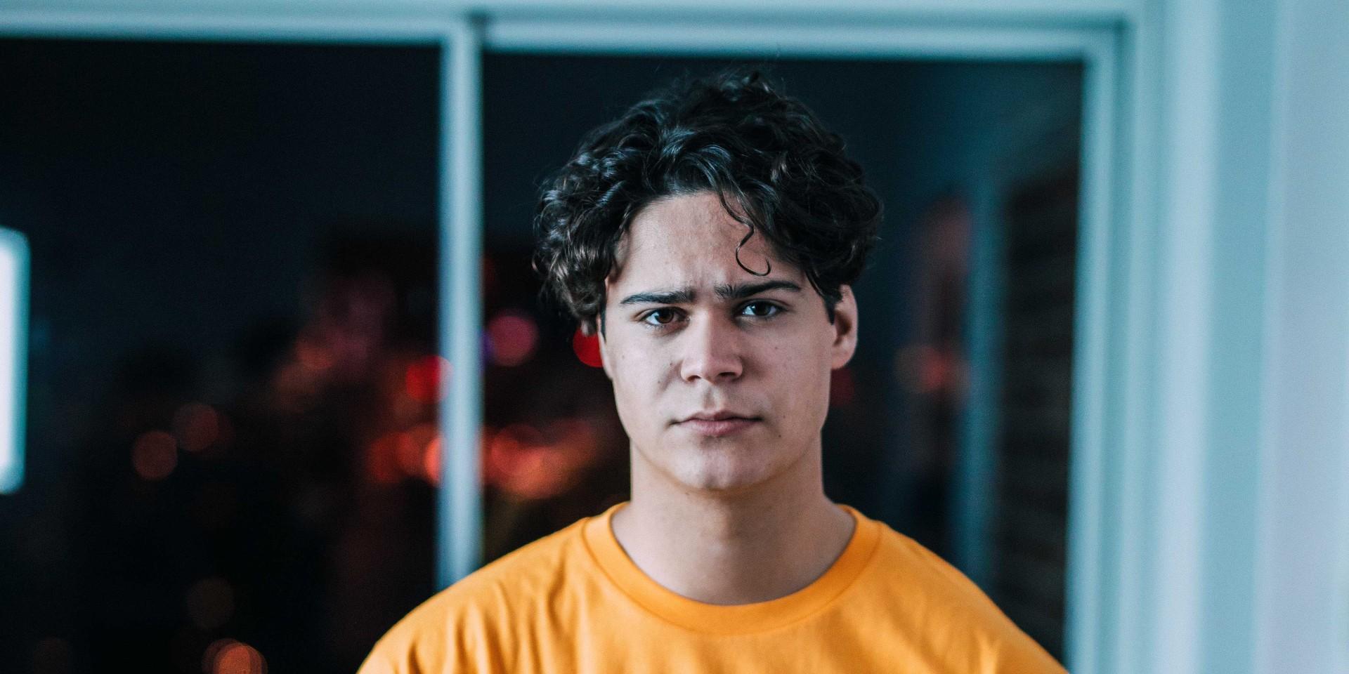 PREMIERE: Jakob releases lyric video for simmering R&B single, 'Secrets'
