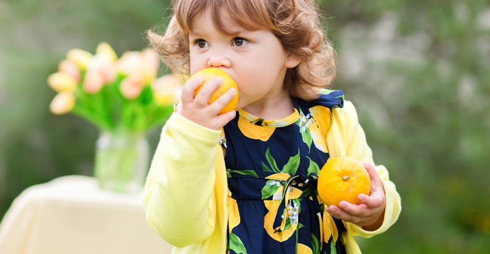 Vad har Haros stämmouttalande, corona och en flicka med citroner gemensamt? Läs hela uttalandet, så får du se!