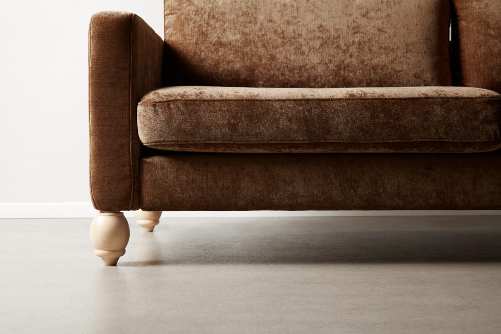 Bemz cover for IKEA Karlstad sofa in Acorn Zaragoza Vintage Velvet by Designers Guild. Maxwell Ryan x Bemz by Apartment Therapy legs, model: Winston 14cm in Natural.