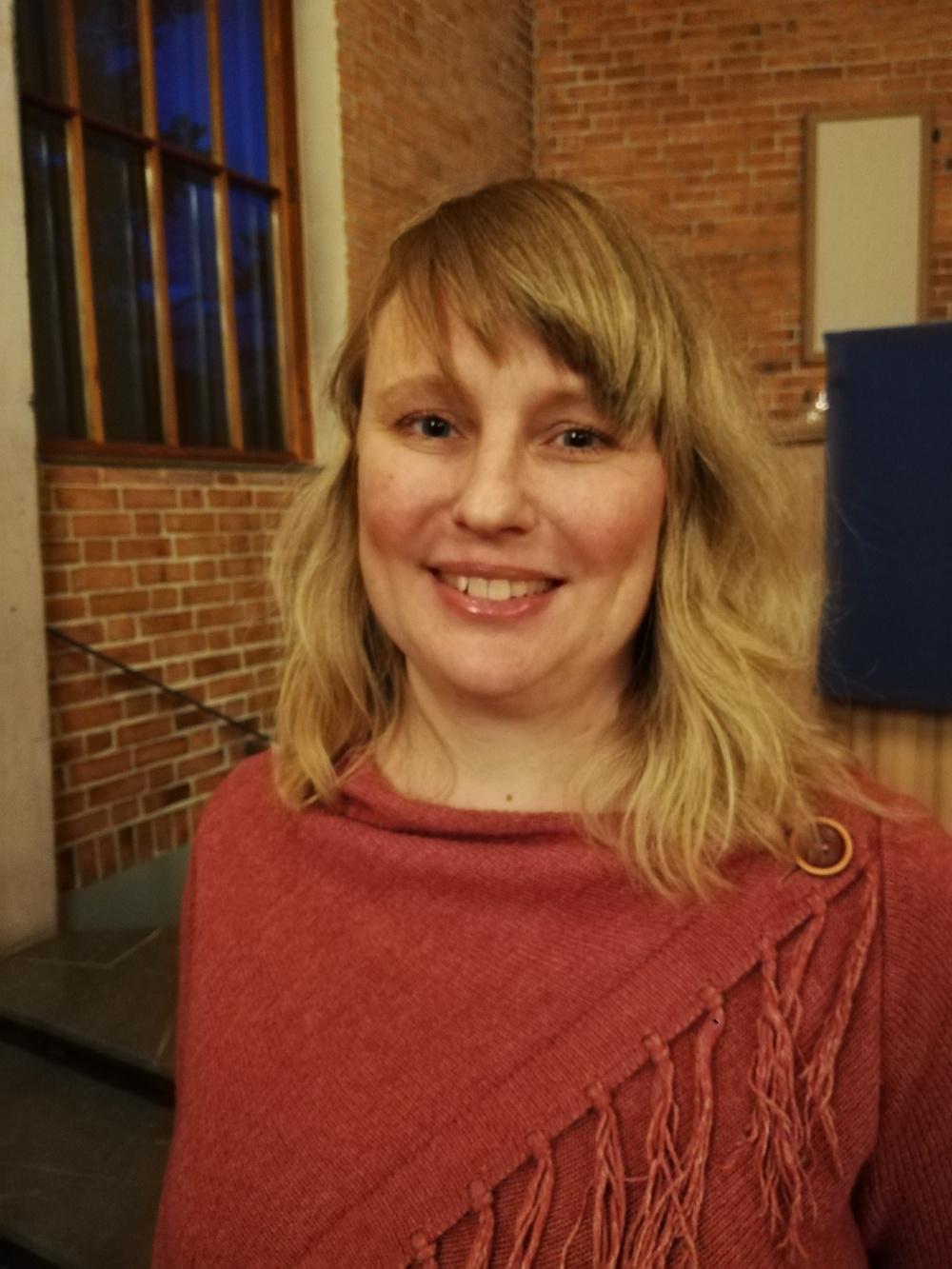 Karin Svedberg som tilldelas Deverthska Kulturstiftelsens stipendium 2019.