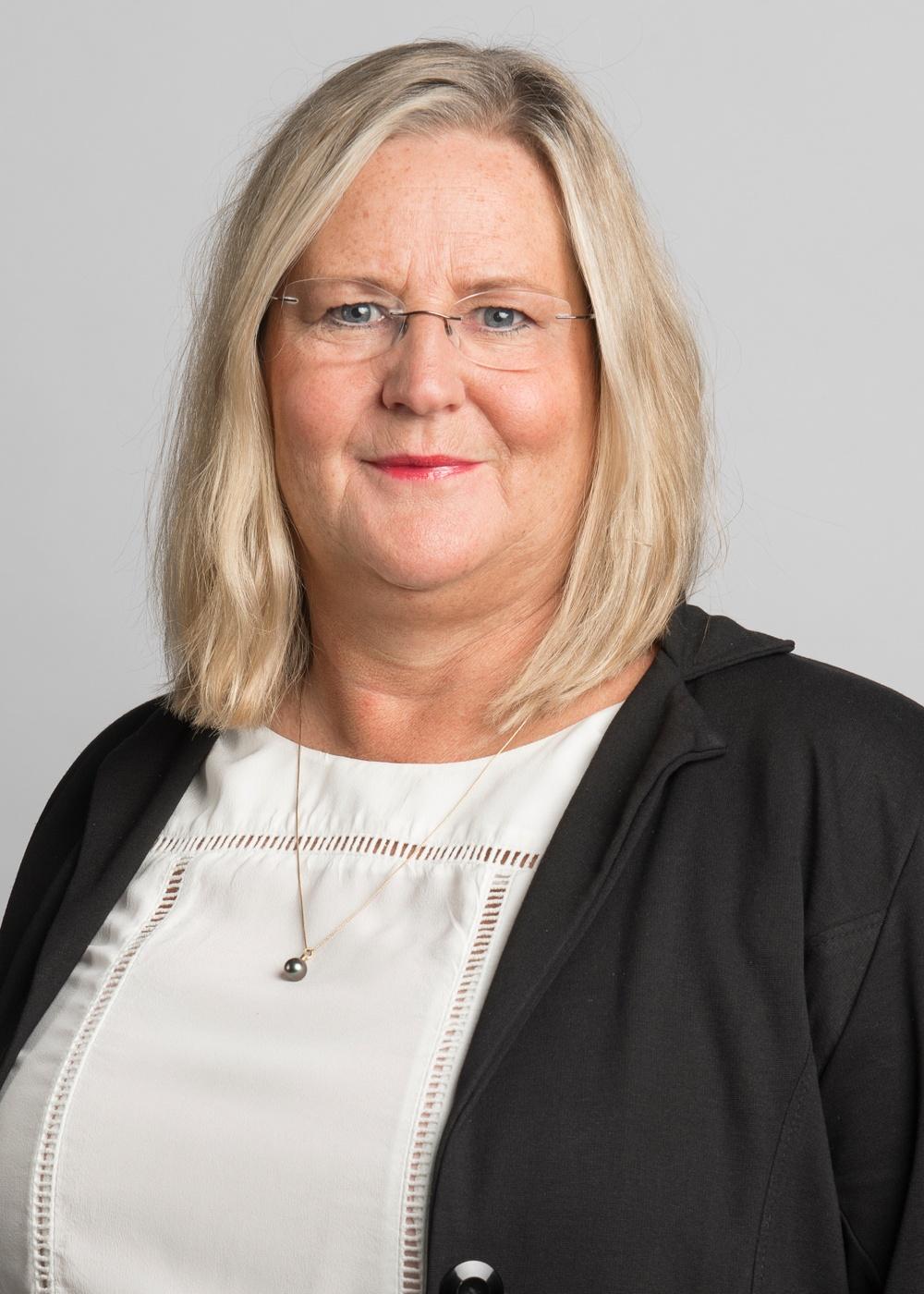 Helena Gibson Ek är kommunikationsansvarig på IQ Samhällsbyggnad och i det strategiska innovationsprogrammet Smart Built Environment.