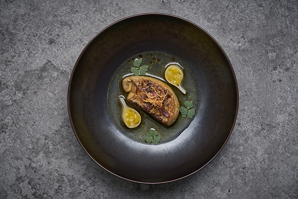 Pan-fried foie gras, apple, mango, ginger