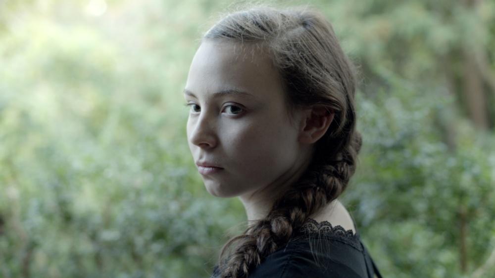 Amanda Kernells Sameblod (2017) är en av de senaste årens allra mest populära titlar på skolbio. Foto: Sophia Olsson / Nordisk Film